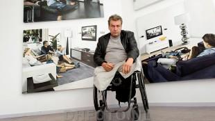 Rob Scholte in zijn museum voor zijn eigen werk
