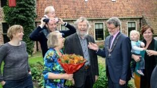 Kunstenaar Henk Helmantel benoemd tot Ridder in de Orde van Oranje-Nassau (foto Eemskrant, Marc van Vliet)