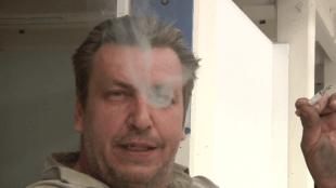 Rob Scholte smoking