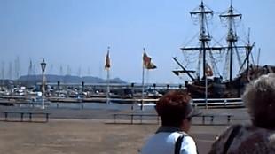 De haven van Huis Ten Bosch met de Prins Willem