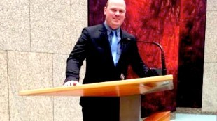 Wethouder Geurt Visser bij Rudi van de Wint in de Tweede Kamer der Staten- Generaal