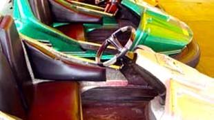 Botsautootjes op kermis in Ars (foto Marijke de Jong)