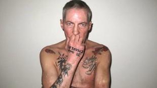 Paul Blanca heeft een tatoeage van Je suis Charlie op zijn hand
