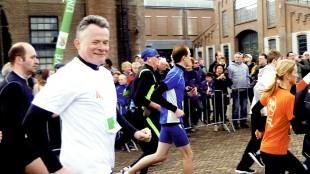 Burgemeester Koen Schuiling gestart bij de Halve van Den Helder