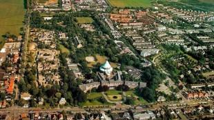 Landgoed St. Willibrordus in Heiloo vanuit de lucht