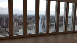 Amusing Ourselves to Death op de 40ste verdieping van De Rotterdam, op 130 meter hoogte