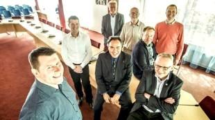 De onderhandelaars van VVD, CDA en Stadspartij vorig jaar (in het midden formateur George de Ceuninck)