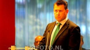 Edwin Krijns (CDA), die om  het vertrek van de wethouder Geurt Visser vroeg voordat die aan het woord kon komen, is de nieuwe wethouder (DHFOTO)