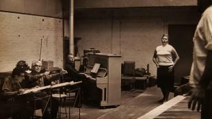 Jacques Northe (geheel links) bij de Komische Oper