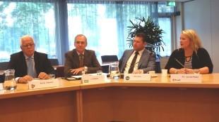 Installatie van de fractieleiders van VVD, D'66, CDA en PVDA tot nieuwe wethouders live via LOS
