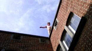 Edwin balancerend op het randje (foto Tessa)