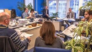 Ronald den Boer - Voor 1 dag m'n bureau afgestaan zodat burgemeester Koen Schuiling als chef-redacteur a.i. redactieberaad kan leiden
