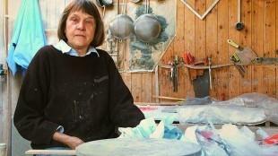 Lies Cosijn in haar atelier 2002 (foto Marc Moussault)