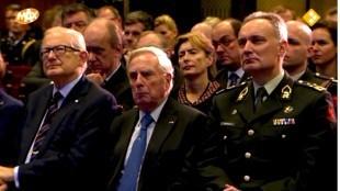 Demmink bij beediging Gerard Bouman als korpschef van de nationale politie in de Ridderzaal te Den Haag op 3 januari 2013 met Ter Horst, Korthals Altes, Vollenhove e.a.