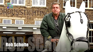Rob Scholte te paard bij Willibrordus in Heiloo