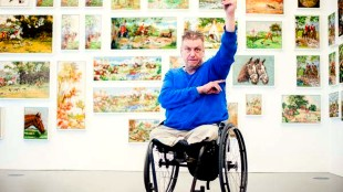 Rob Scholte bij zijn expositie bij De Fundatie in Zwolle (foto Ferdy Damman/ANP)