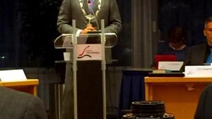 Voorzitter gemeenteraad Den Helder burgemeester K.F. Schuiling, tevens portefeuillehouder personeelszaken