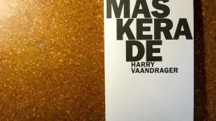 Harry Vaandrager - Maskerade (foto het balanseer)