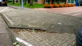Invalidenparkeerplaats bij gemeentehuis Den Helder