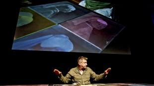 Rob Scholte op de Dag van de Beeldverzamelaar in het Chassé Theater te Breda (foto Moti Beeldjagers)