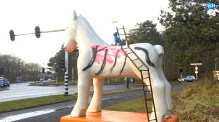 Het paardenbeeld van Hellen van Meene (foto NH/Anne Klijnstra)