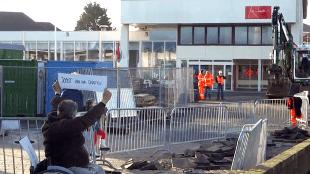 Protestactie Stationslocatie Den Helder (foto Cor de Boer)