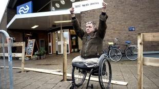 Rob Scholte protest stationsplein (foto Nieuwsdoc)