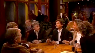 V.l.n.r. Ferry Mingelen, Marcel van Dam, Dick Pels, Tomas Ross, Hans Smolders & presentratice Inge Diepman (foto YouTube)
