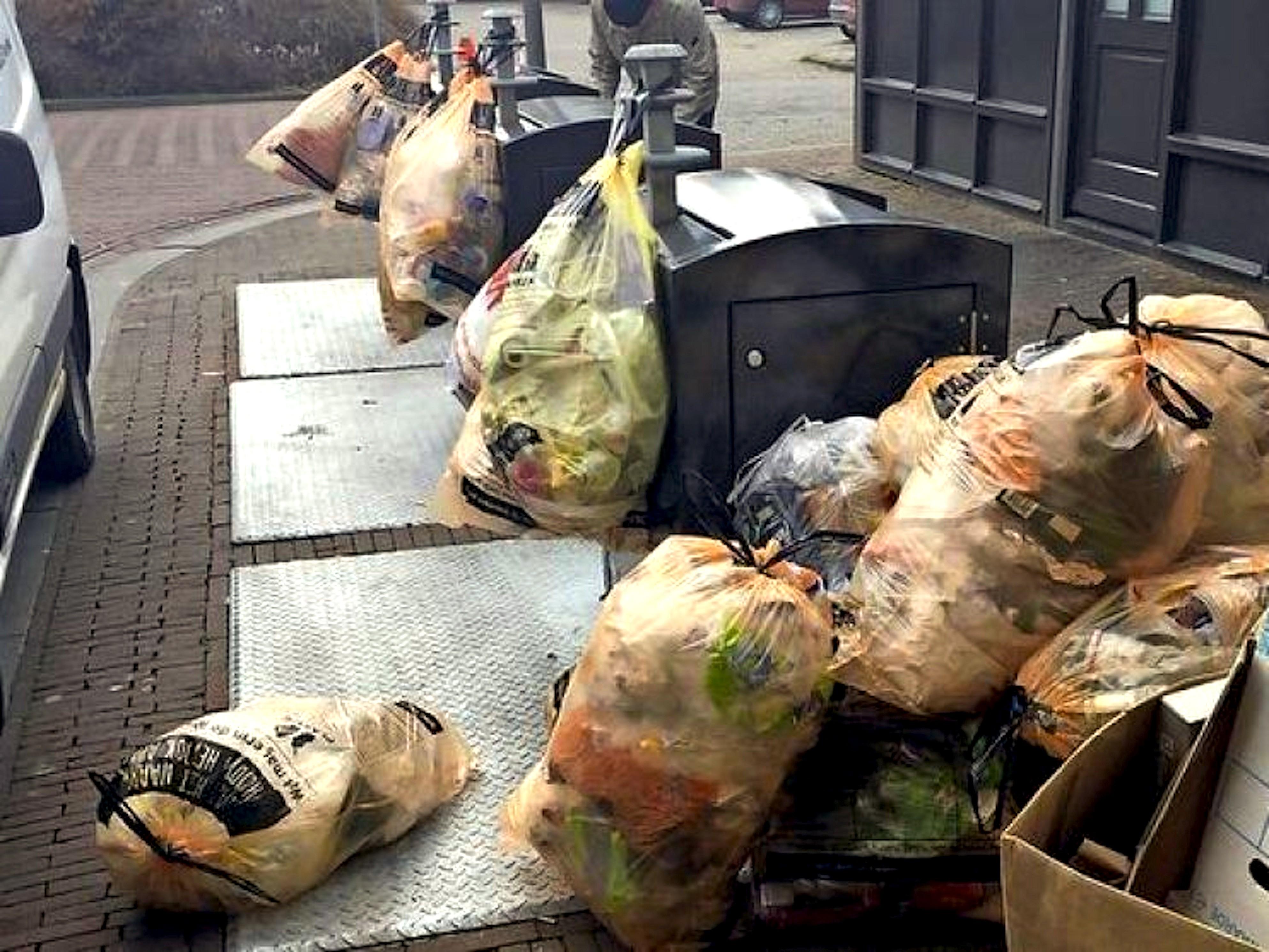 Afval in Den Helder (foto NHD)