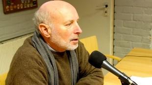 Michiel Wouters bij L.O.S. Radio (foto Den Helder Actueel)