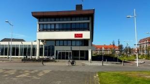 Postkantoor definitief in de verkoop, Scholte moet eruit (foto Den Helder Actueel)