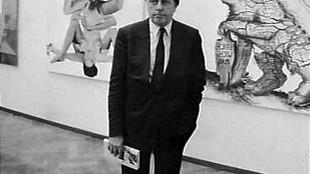 Wim Beeren bij Wat Amsterdam betreft voor Rob Scholte's Bespotting door twee potten & De Angst! op 21 november 1985 (foto Rob Bogaerts/Nationaal Archief)