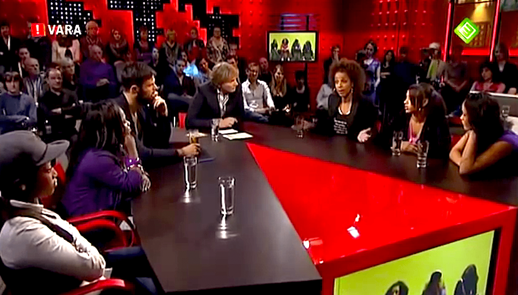 Ghetto meisjes vs. Mildred Roethof bij DWDD (foto YouTube)
