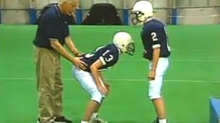 Jerry Sandusky, left on photo, at work (foto Before It's News)