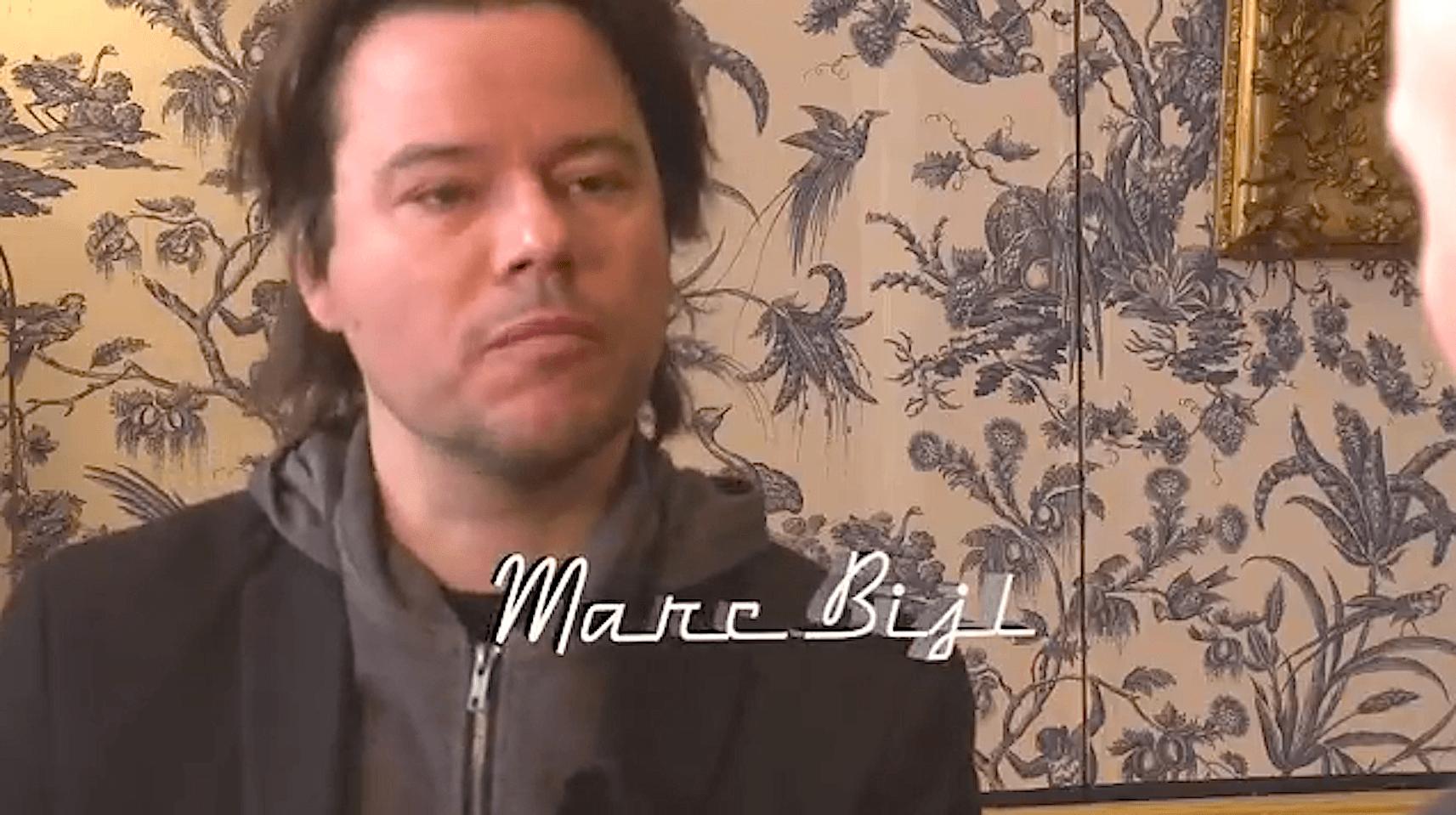 Marc Bijl bij Kunst is Lang (foto YouTube)