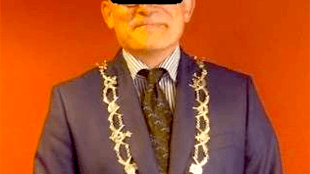 Burgemeester K. S. Den Helder (foto Defence for Children/LinkedIn)