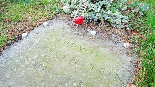 Ludwig Wittgenstein (1889 - 1951) gravestone (foto Wikimedia)