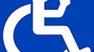 Maak OV rolstoel neutraal (foto GeenStijl)