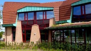 Gemeentehuis Texel (foto Texel-Plaza)
