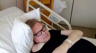Jan Haerynck in het ziekenhuis (foto Facebook)