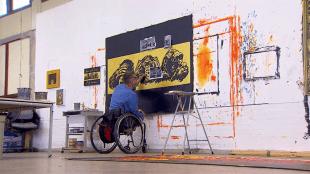 Gehandicapte Rob Scholte schildert aan 'Horen, zien en zwijgen' (foto Trendbeheer)