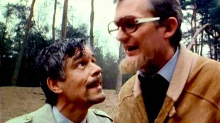 Van Kooten & De Bie - De vieze man: daar liggen er twee! (foto YouTube)
