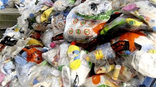 Nieuwediepers doen hun best om afval goed te scheiden, maar worden daar volgens sommige Helderse gemeenteraadsleden niet voor beloond (foto HVC)