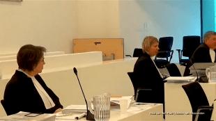 V.l.n.r. Judith Mahn, advocate van Scholte, Ilse van der Poel en Bill de Vis, advocaten van Gemeente Den Helder (foto YouTube)