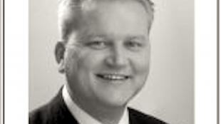 Wethouder Kees Visser opent de kermis (foto Wieringer Nieuws)