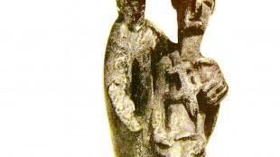 """Bronzetto detto """"la madre dell'ucciso"""" rinvenuto ad Urzulei (foto Liana Tore)"""