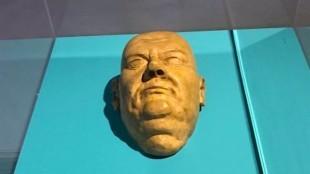 Dodenmasker Luther (foto KRO)