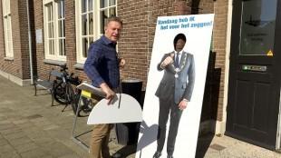 Jan Roelofsen geeft Koen Schuiling een plek in de zon (foto Bo-Anne van Egmond)