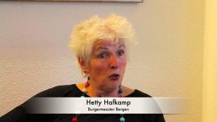 Hetty Hafkamp Burgemeester van Bergen (foto YouTube)