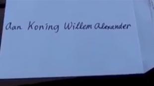 Aan koning Willem-Alexander (foto YouTube)